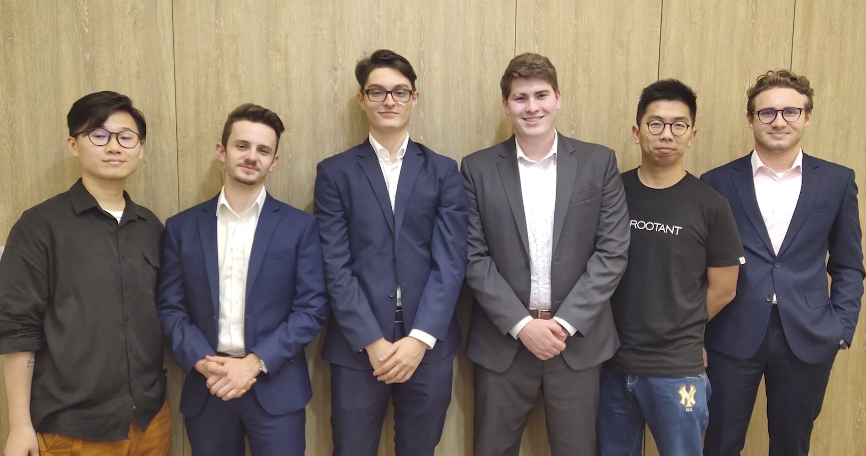 FOUR CREDIT SUISSE APPRENTICES WORKING IN SHANGHAI IN A MOBILITY PROGRAM